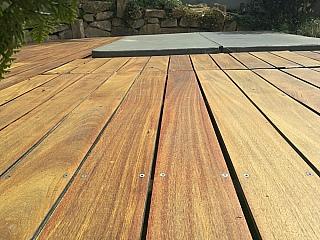 pokládka dřevěné terasy 1