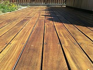 pokládka dřevěné terasy 3