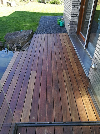 pokládka dřevěné terasy 5