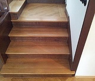 Renovace dřevěných schodů 1